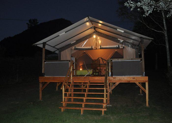 Tente Logde Insolite Confort Auvergne Cantal Lioran (1)